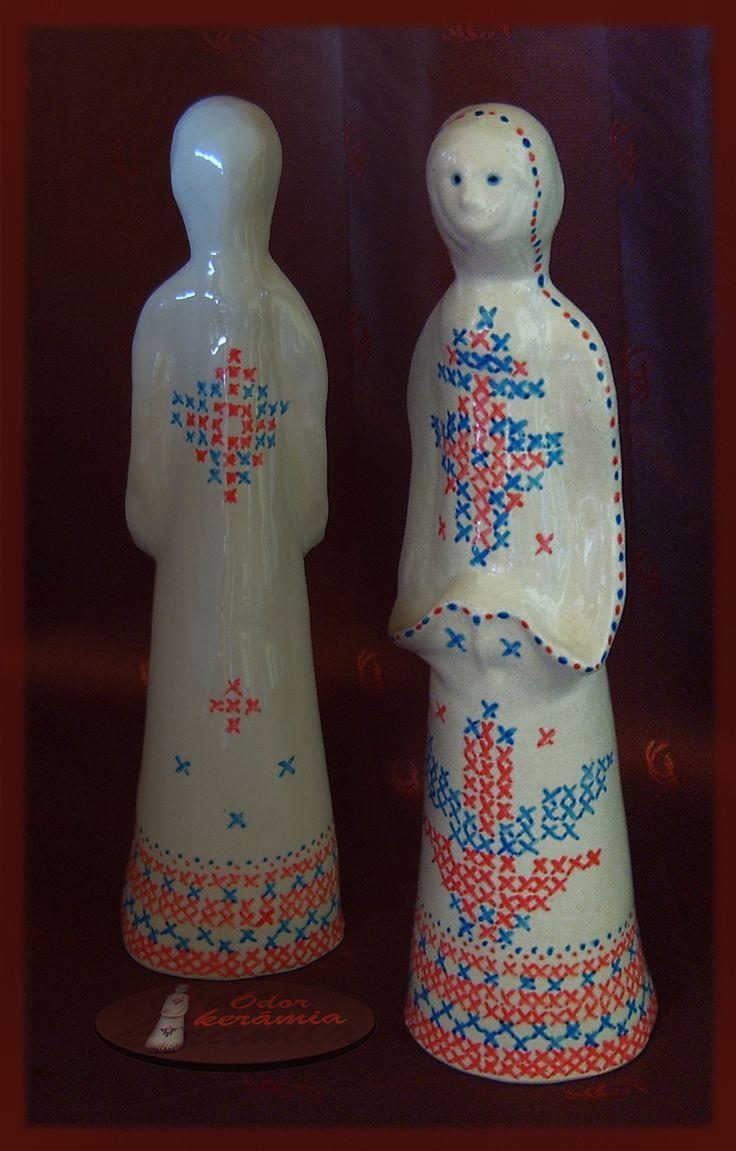 Hungarian folk motives ceramics  - kék-piros keresztszemes mintás népi kerámia (westerwaldi agyag, mázazva, festve) - Ódor kerámia