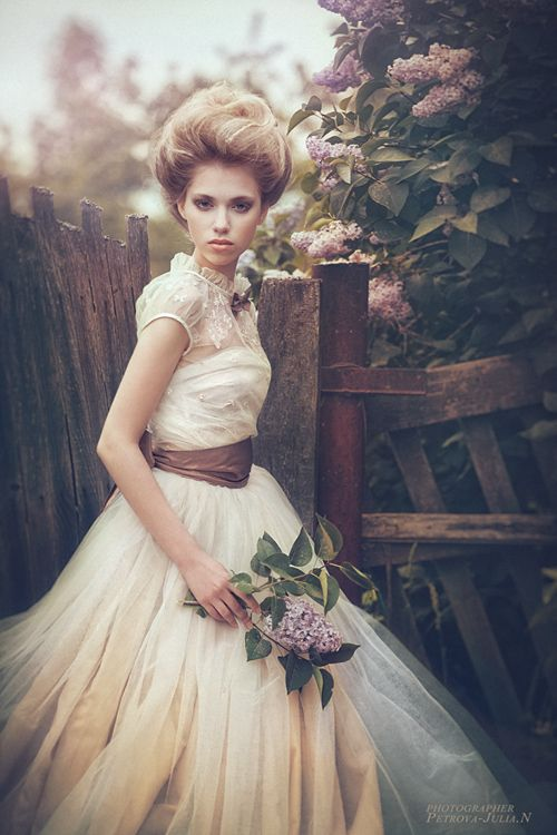 I want this dress!...and I wonder if I could pull off that hairstyle?