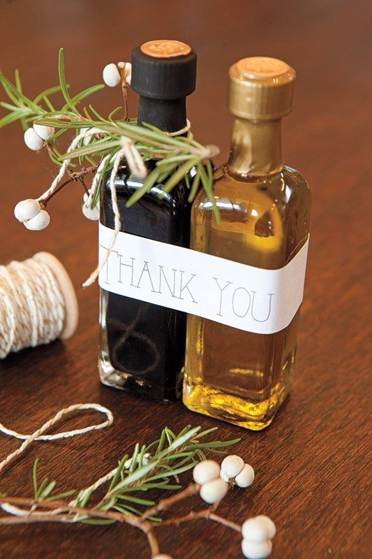 olive oil and balsamic vinegar wedding favors