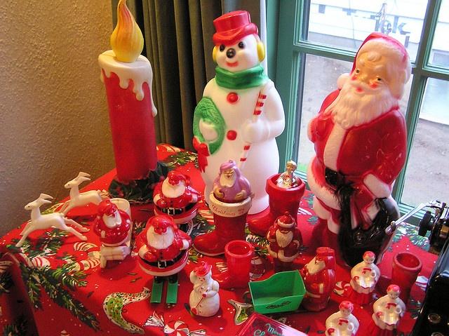 Vintage plastic Christmas decorations - we still have the santa one!
