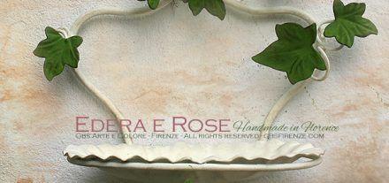 Accessori da bagno in ferro battuto. Portasapone da muro Edera e rose. Collezione Shabby romantico e country.