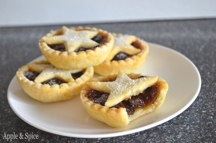Apple & Spice: Starry Mince Pies with Zesty Orange Pastry (& Choc Shot Giveaway Winner)