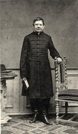 Jedlik Ányos (Szímő, 1800. január 11. – Győr, 1895. december 13.) magyar természettudós, feltaláló, bencés szerzetes, kiváló oktató. Nevéhez fűződik többek között az első elektromotor megalkotása, az öngerjesztés elve, a dinamóelv első leírása és a feszültségsokszorozás felismerése.