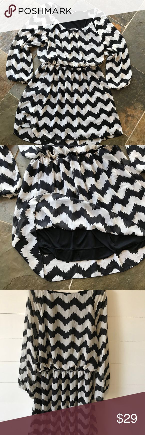 Speechless plus size chevron blouson dress 3X Excellent Condition Speechless plus size party dress.  Item is fully lined with a sheer black and white chevron print.  Sleeves are sheer and gathered at the end.  bust 27 waist 18-24 sleeve 27 shoulder to hem 41  hem width  37  All items sold as-is...please review all pictures Speechless Dresses