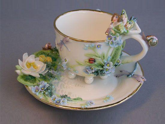 Чайные пары от Елены Зотовой. Елена Зотова родилась и работает в Москве. С 1994 года член Творческого Союза Художников России.