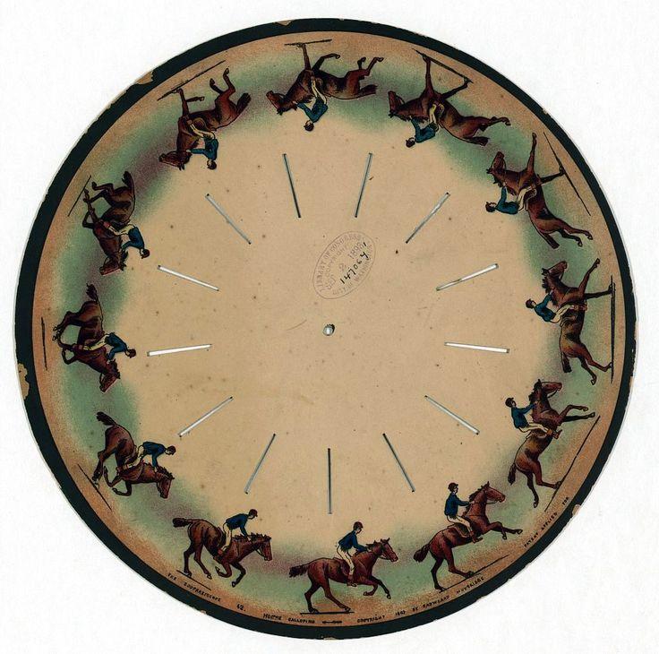 zoopraxiscope - O zoopraxiscope é um dispositivo para a exibição de imagens em movimento. Criado por Eadweard Muybridge em 1879. O zoopraxiscope projetam imagens, ao rodar discos de vidro rapidamente para dar a impressão de movimento. As imagens de stop-motion foram inicialmente pintadas em vidro, como silhuetas.