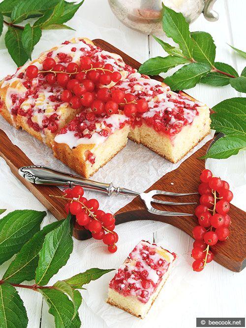 Пирог с красной смородиной и патокой