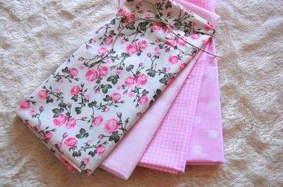 Kup teraz na allegro.pl za 24,00 zł - ZESTAW TKANIN BAWEŁNA - róże i pastelowy róż  Patchwork fat quarters pink roses