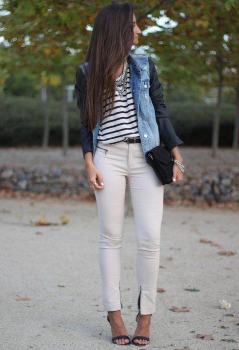 blusa a rayas y pantalon blanco