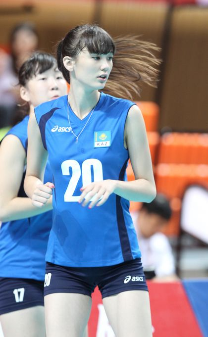 https://s-media-cache-ak0.pinimg.com/736x/c4/f0/51/c4f051d408891eae19627646d6ed2f6c--women-volleyball-volleyball-players.jpg