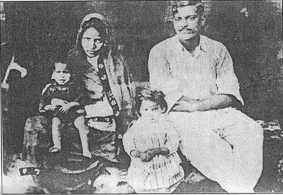 Shaheed #Chandrashekar #Azad with His Family.