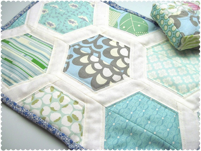 Hexie Quilt... Who's having a baby?? I need to try this. :)