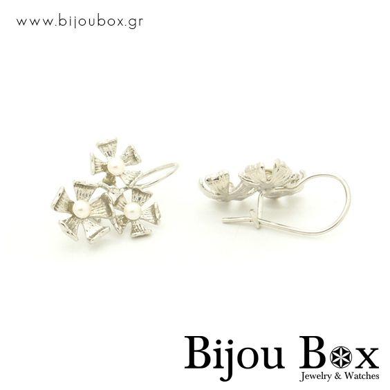 Pearl earrings from silver platd bronze MARS - Σκουλαρίκια μαργαριτάρια από επάργυρο μπρούτζο MARS - Check out now... www.bijoubox.gr - #BijouBox #Earrings #Σκουλαρίκια #Handmade #Χειροποίητο #Greece #Ελλάδα #Greek #Κοσμήματα #MadeinGreece #Silver #jwlr #Jewelry #Fashion