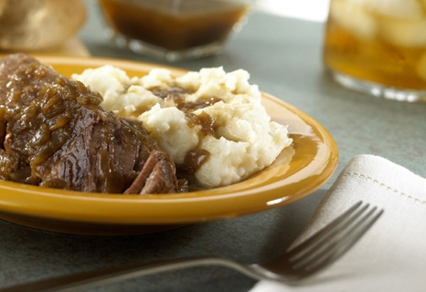 Slow Cooker Melt-In-Your-Mouth Short Ribs are a combination of French onion soup, ale, garlic, brown sugar and seasonings. ♥ Campbell's Kitchen