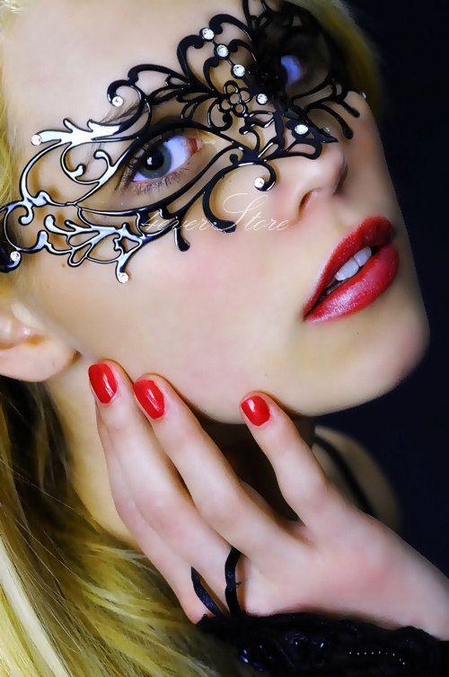 Elegant Black Venetian Vine Masquerade Mask - Vine Mask Made of Filigree Metal & Diamonds For Masquerades, Costumes, Weddings, Holiday Gift