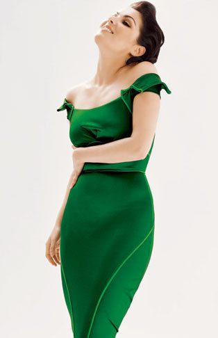 Picture of Anna Netrebko -  Love the color and the flow of the body  (Ingrid)