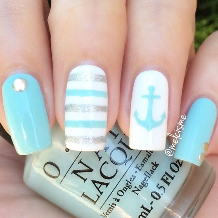 Summer mani by @melcisme using our Anchor & Straight Nail Vinyls found at http://snailvinyls.com 6 hours left on our sale, use Code: SUMMER20