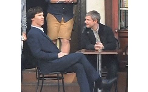 Git it, Sherlock, git it...  Benedict and Martin having fun on set (+)  Sometimes Benedict cannot control his dancing urges.