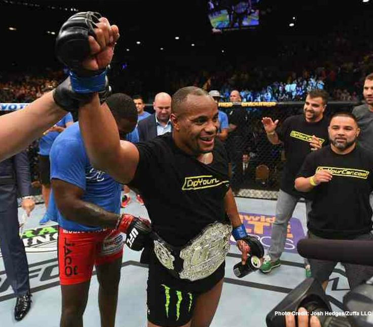 UFC 187: Johnson vs. Cormier, Bonuses, Post Fight Press Conference (REPLAY), Highlight Reel
