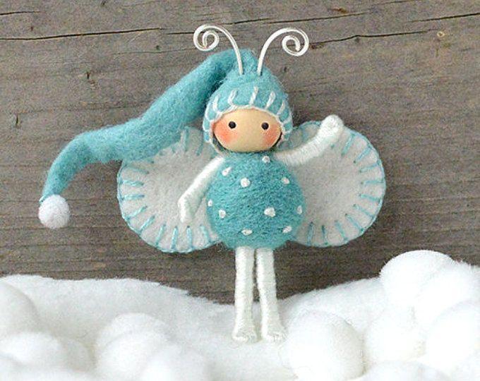 Muñeca flexible ELF en azul y blanco