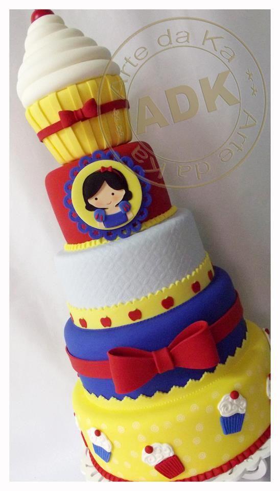 Snow White Cake: Art Da Ka, Snow White Cakes, Cakes Decor, White, Bolo Confeitaria, Princesses Parties, Confeitaria Da, De Neve, Birthday Cakes