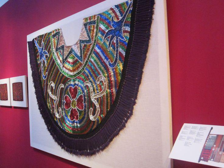 collar  hecho de canutillos de brasil
