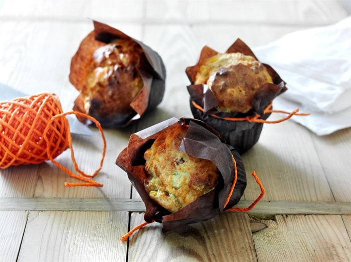 Toivota vieraat tervetulleeksi vastapaistettujen juusto-kinkkuskonssien hurmaavalla tuoksulla. Ohjeen löydät täältä: http://www.dansukker.fi/fi/resepteja/juusto-kinkkuskonssit.aspx?utm_source=facebook&utm_medium=nosto&utm_campaign=fb-IhanItseTehty-Pinterest #illanistujaiset #resepti
