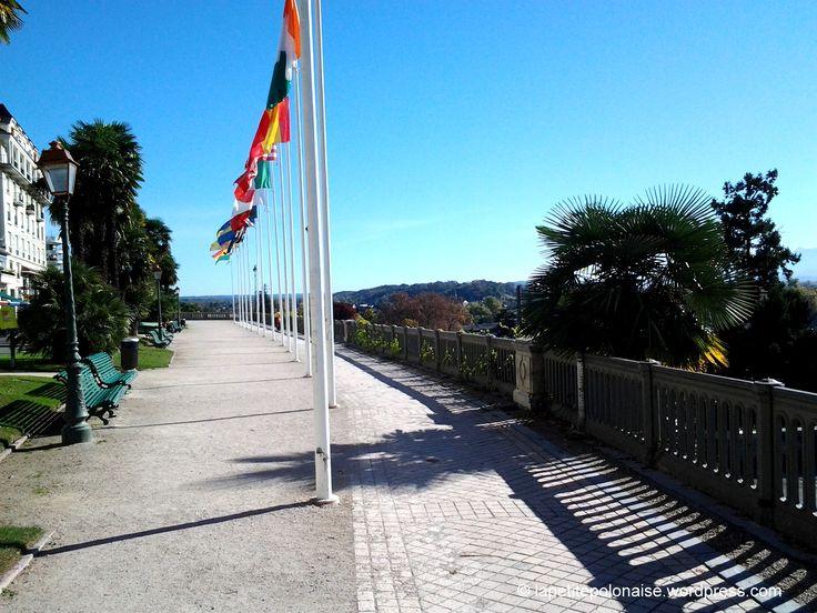 Widok z Le Boulevard des Pyrénées,  64000 (Aquitaine) Pau France.