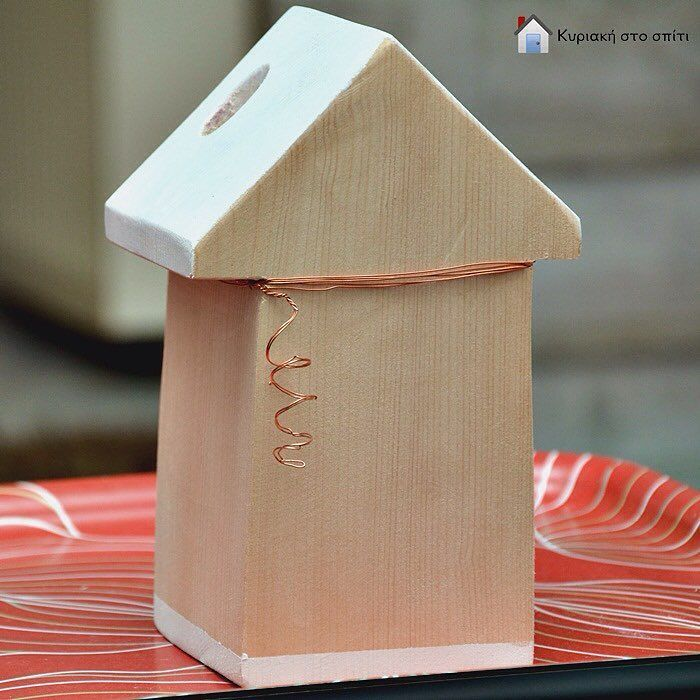 My new miniature wooden house block! Read all the details ...