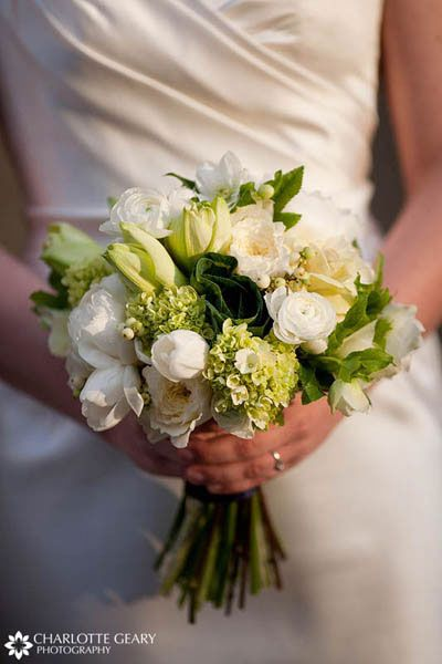 1000 images about green white wedding bouquets on pinterest wedding fresh green and white. Black Bedroom Furniture Sets. Home Design Ideas