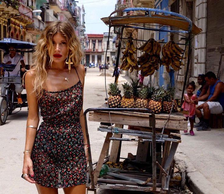Rat and Boa - sexy floral dress and killer curls | Cuba