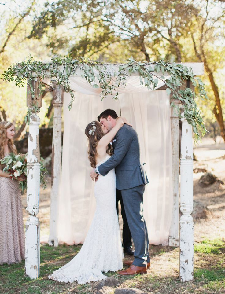 wooden arbor with garland?! yes, please!