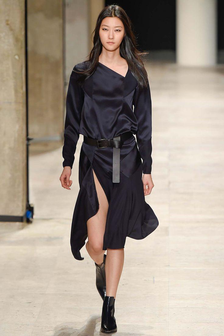 Barbara Bui - Fall 2015 Ready-to-Wear - Look 25 of 35