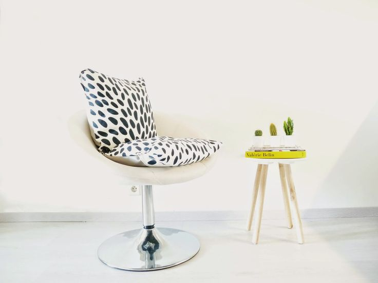 DIY seat cushion in black and white