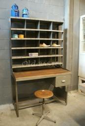 Brocante postbureau.  Landelijke oude brocante tafels www.Old-BASICS.nl - Webwinkel