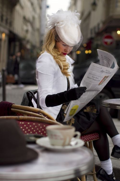Morning papers in Paris...Coffee Mornings, Mornings Coffee, Paris Cafes, Parisians Style, French Cafe, Cafes Corner, Mornings Paper, Vintage Hats