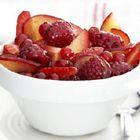 Fruitsalade in verveinesiroop