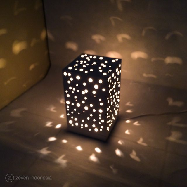 Christmas Lantern Lights - Snowfall  #Christmas #Winter #Dreams #Home #Decoration #Lamp #Lights #Glowing #Box #Gift #Ideas #Lampu #Hias #Dekorasi #Natal