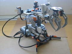 How to build a simple robotic arm from Lego Mindstorms NXT
