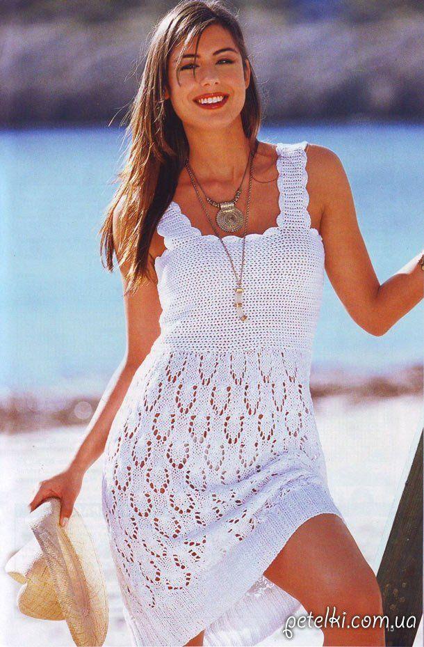 Летнее ажурное платье спицами.