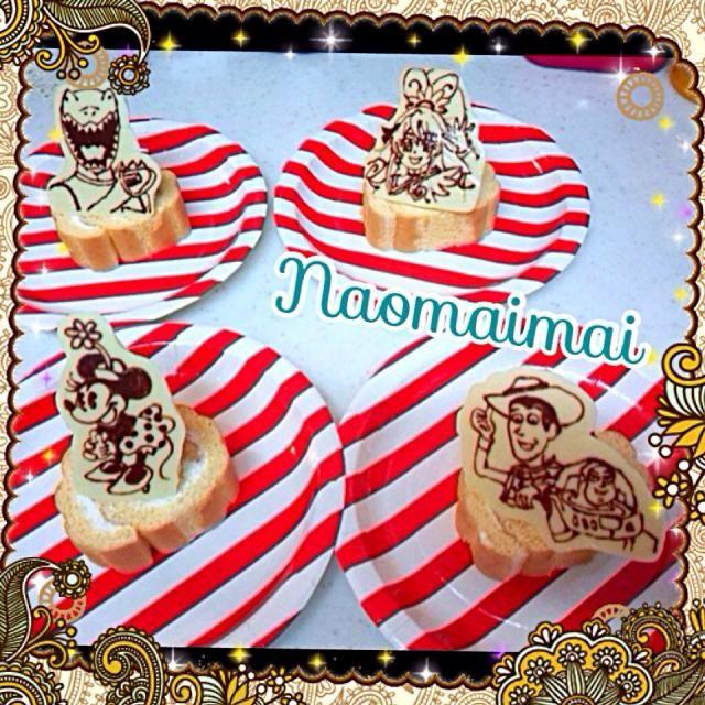 子どものパーティー用のおやつ スーパーの安いロールケーキをイチゴとチョコプレートが乗れば立派に見える?(笑) トイストーリーのバズが悪い顔になったけど…個人的にお気に入り(^▽^) - 39件のもぐもぐ - キャラチョコ✨ by Naomaimai
