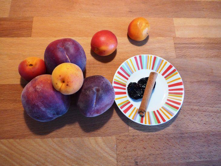 Puré de pêssego, damasco, ameixa e canela (a partir dos 7 meses)