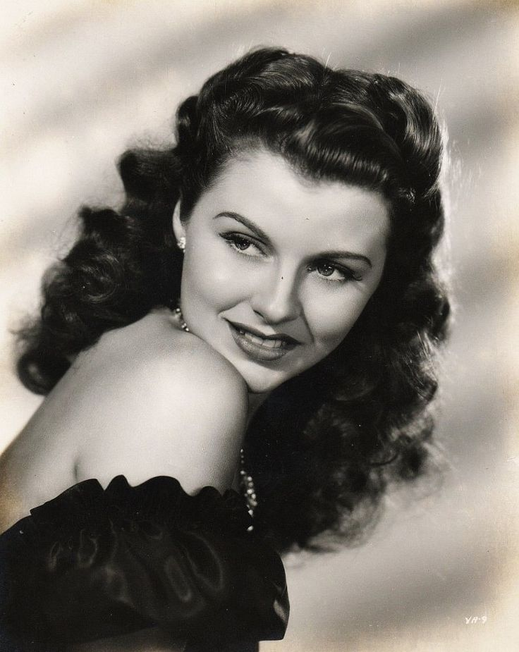 Vivian Austin, Actress: Night Club Girl. Health problems, which lead to blindness, forced Ms. Austin into early retirement from the motion picture business. A Palm Springs CA physician, Dr. Ken Grow, managed to restore her sight and later they married.