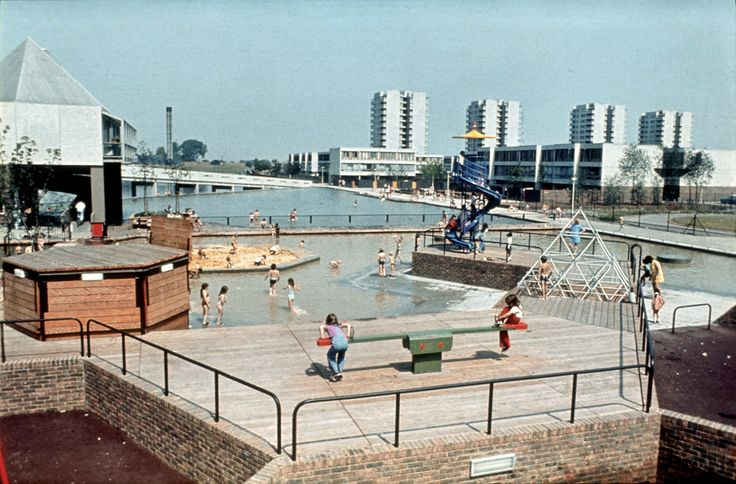 """""""Children at play"""", Thamesmead city new town, Erith, south-east London. Part of the Thamesmead development by the Greater London Council Architects' Department 1967-1982. Image © Manchester School of Art, Visual Resources Centre, http://www.artdes.mmu.ac.uk/visualresources/"""
