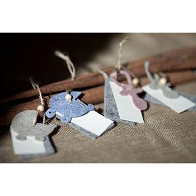 Twin Sittings - Etiqueta  Etiquetas con motivo en fieltro, chupete o carrito, de grosor 3mm. Etiqueta en cartulina beige troquelada