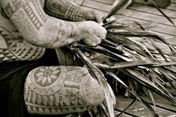 Segni indelebili di culture lontane | Nell'eden della #Polinesia http://www.viaggidellelefante.it/pacifico/polinesia Le Taha'a Resort & SPA è stato disegnato per essere tra i più esclusivi resort della Polinesia Francese, membro Relais & Chateaux. Situato in un luogo paradisiaco, affacciato sulla barriera corallina di Motu Tautau, non lontana dall'isola sorella Raiatea e con vista sull'isola di Bora Bora, ancora oggi questa piccola isola raccoglie i doni di una natura davvero generosa che…