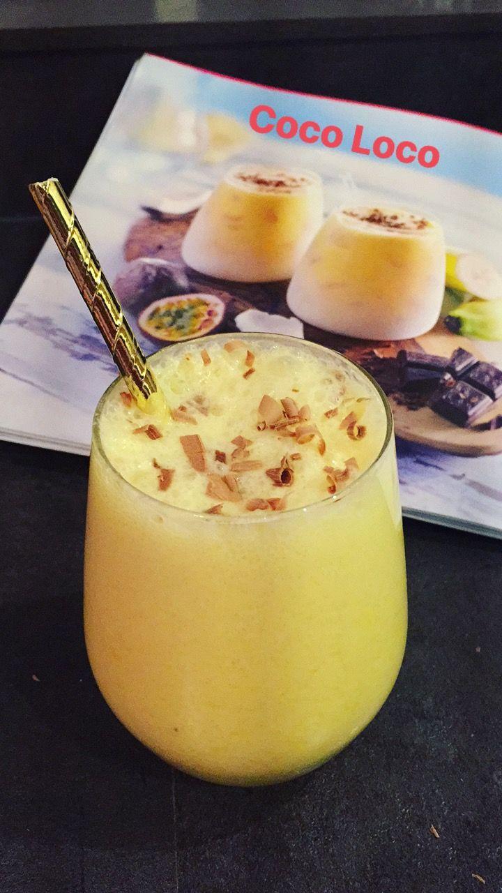 Coco Loco smoothie - 300 ml Passionfruit Heaven - Een kwart banaan - 50 ml kokosmelk - 50 ml magere yoghurt - 5 ijsklontjes - 10g bittere chocolade