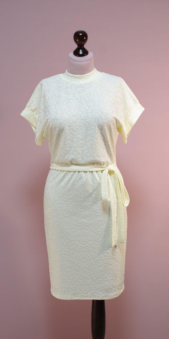Молочное платье с высоким горлом, рукава летучая мышь | Платье-терапия от Юлии