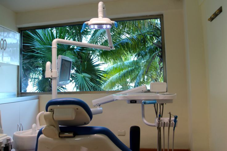 Ocean Dental ofrece presupuestos sin compromiso, limpiezas, blanqueamientos, como al igual blanqueamientos gratuitos incluidos con ciertos tratamientos y también realizan coronas en el mismo día.