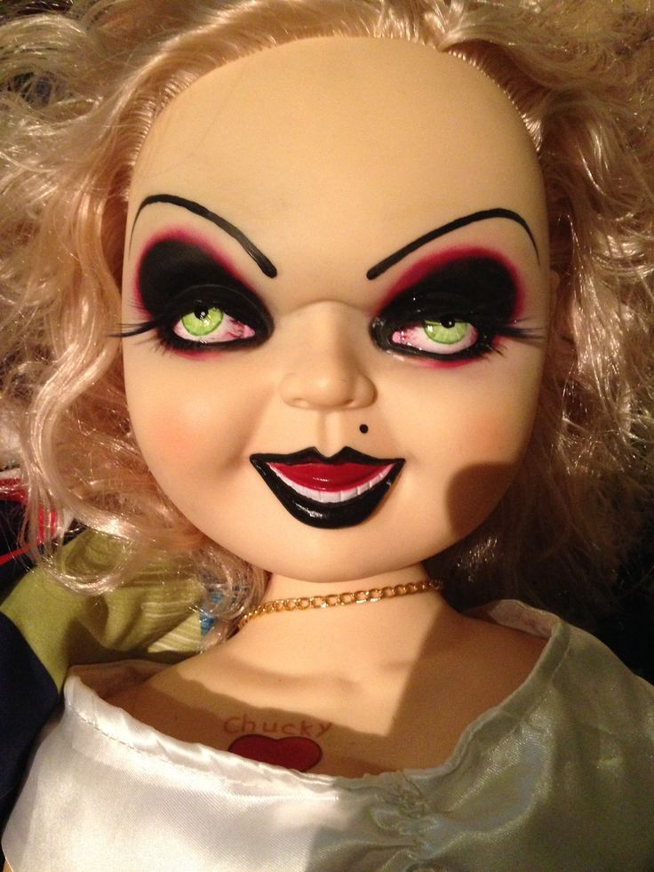 Noble MILF Tiffany Doll riecht nach tiefer Doppelpenetration